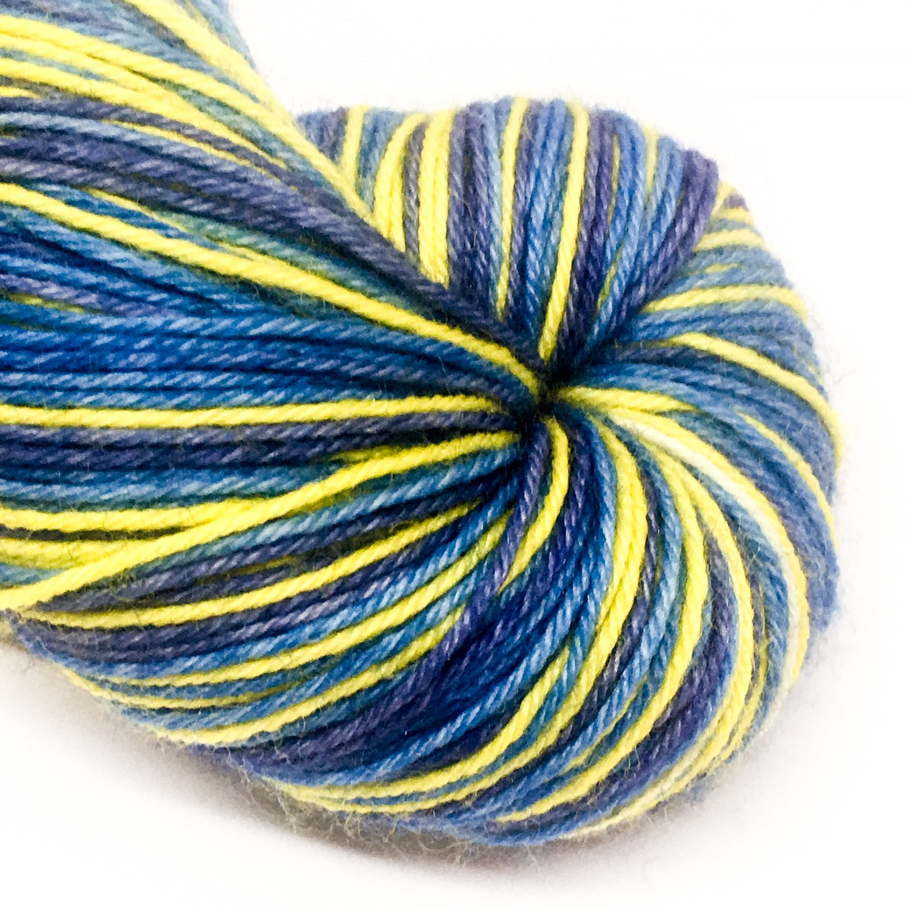 Tang fish self striping 4 ply sock yarn