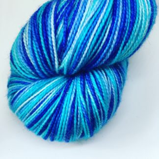 Self striping blue sock yarn, 100g merino and nylon 4 ply yarn, hand dyed stripy yarn